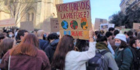 Read more about the article TRIBUNE : Jour de la Terre : passons des discours à l'action !