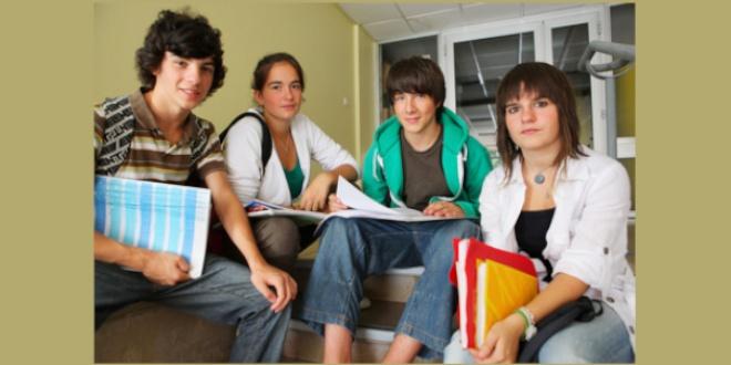 Maintenir les dispositifs éducatifs pour les collégiens