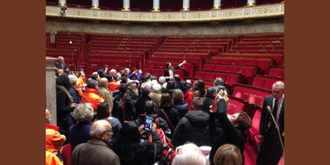 Les bénévoles des associations de Bagneux, Malakoff et Montrouge à l'Assemblé nationale